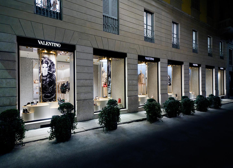 Valentino italy milan for Valentino via turati milano
