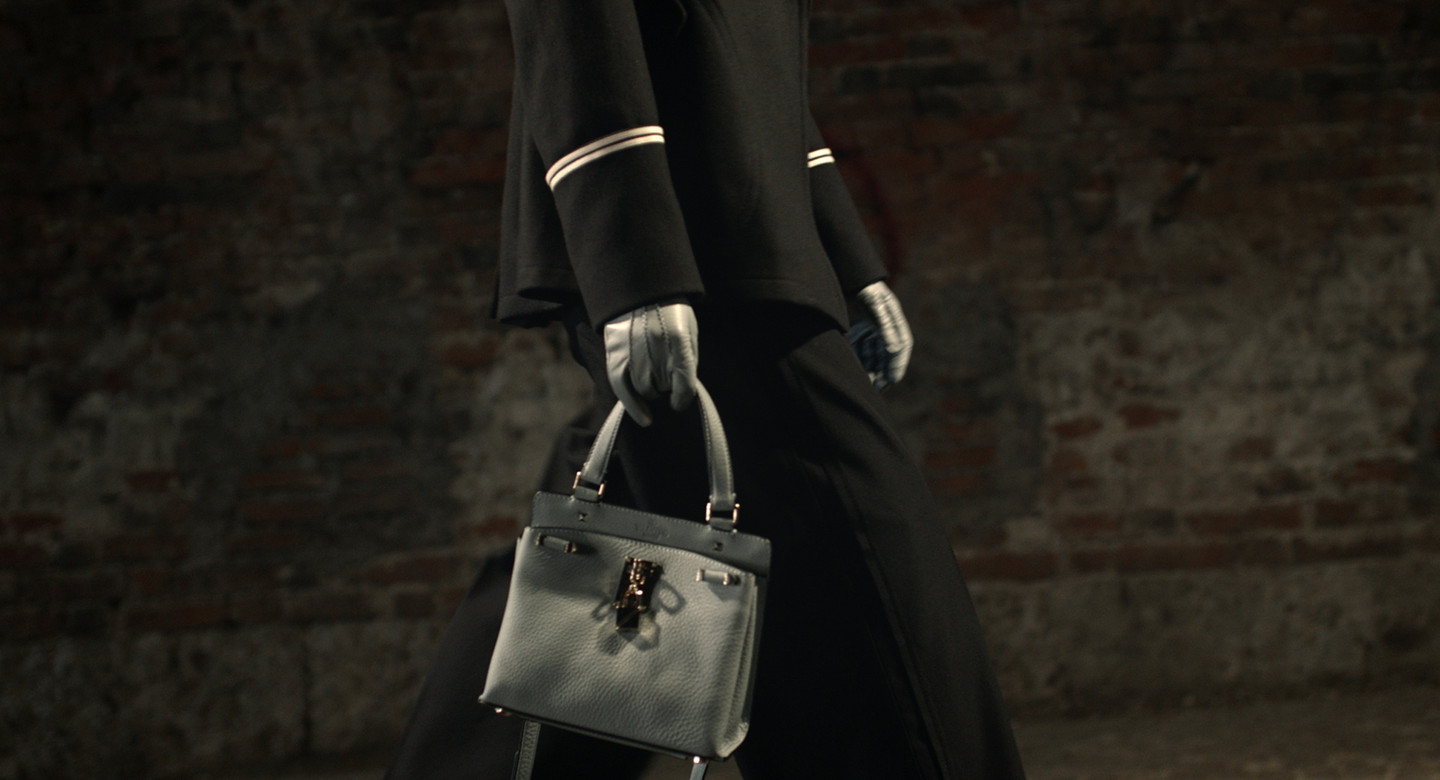Valentino - JoylockA new clean shape that reveals distictive workmanship with redesigned metal elements