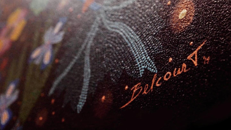 """Valentino - クリスティ・ベルコートのが可能にしたファッションとアートの融合クリスティ・ベルコートのペインティング"""" ウォーター・ソング""""とのアーティスティックな旅のはじまりです"""